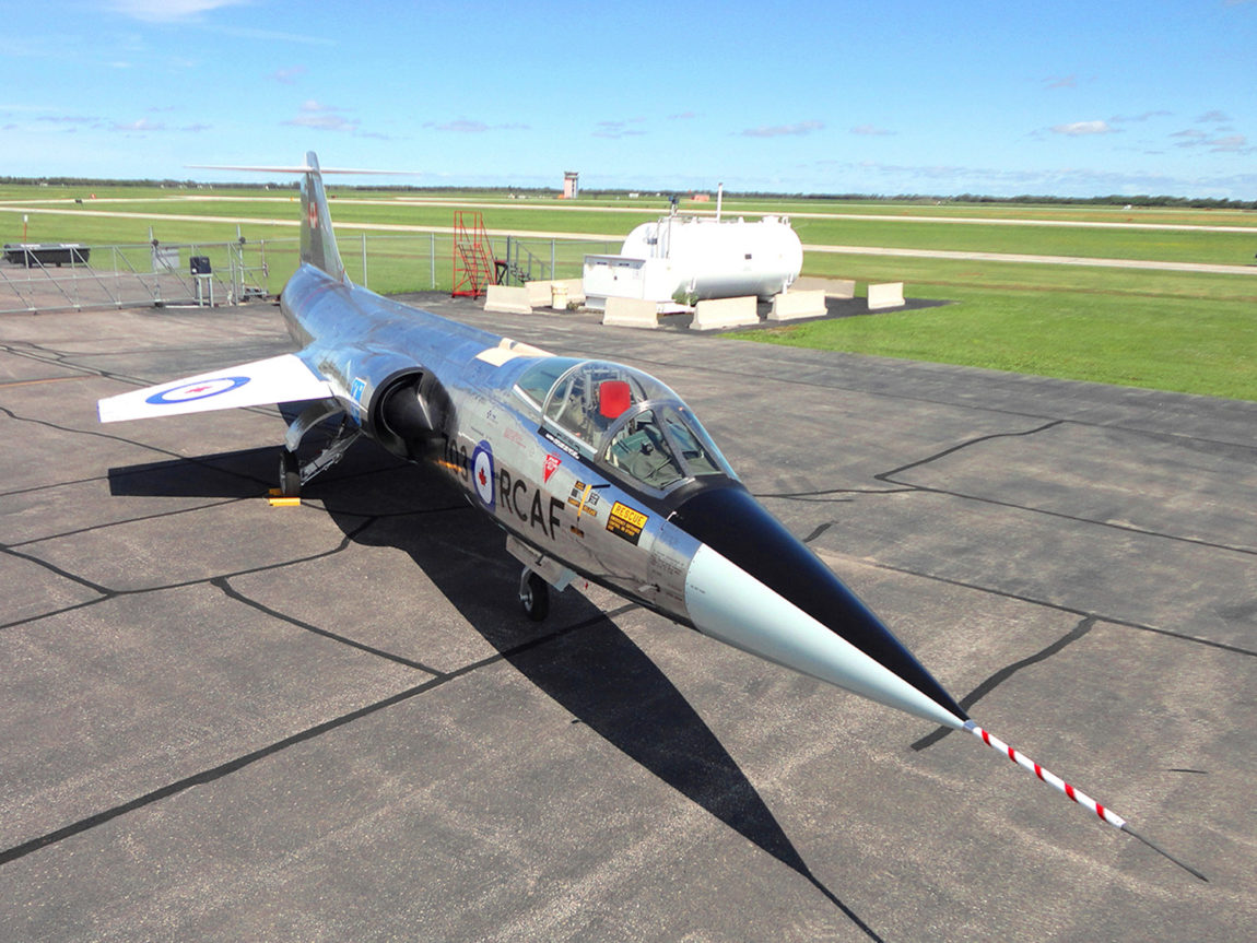 CF-104 Starfighter 12703 - Side-Front
